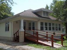 1108 W Prairie St, Taylorville, IL 62568