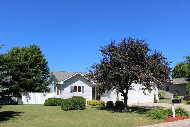 706 viking dr marshall mn 56258 home for sale real