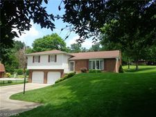 319 3rd Ave Nw, Beach City, OH 44608