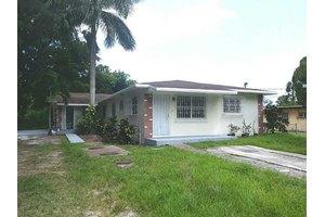 11715 NW 22nd Ct, Miami, FL 33167