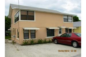 106 6th St S Unit Abc, Bradenton Beach, FL 34217