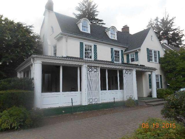 Home For Rent 120 Roxbury Rd Garden City Ny 11530