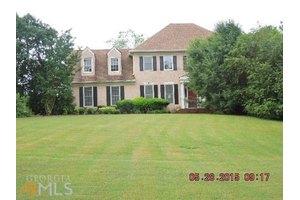 140 Cherokee Rose Ln, Fayetteville, GA 30214