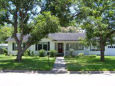 1404 N Gonzales St, Cuero, TX 77954