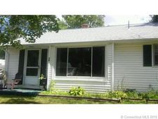 79 Ellsworth Dr, Bloomfield, CT 06002