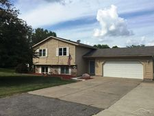 1072 Collingwood Dr, Caro, MI 48723