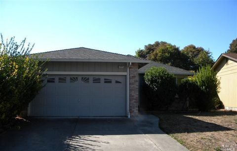 2464 Copperfield Dr, Santa Rosa, CA 95401