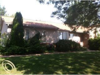 2250 Highsplint Dr, Rochester Hills, MI