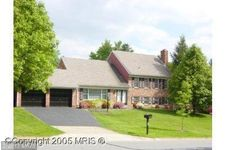 15 Orchard Way N, Potomac, MD 20854
