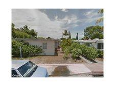 827 81st St, Miami Beach, FL 33141