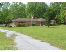32 Lufburrow Rd, Hinesville, GA 31313