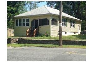323 Mendon Rd, Attleboro, MA 02703