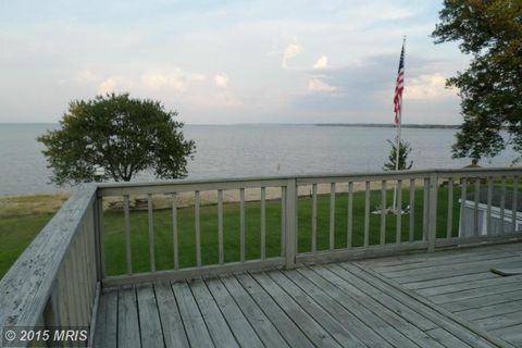 442 Shore Dr, Colonial Beach, VA 22443