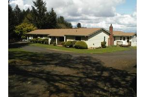 10320 SE Hillview Dr, Amity, OR 97101