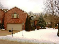 141 Fairway Landings Dr, Cecil, PA 15317