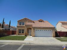 2243 Gregory Ave, Palmdale, CA 93550