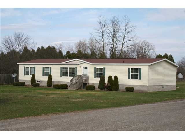 1821 Chambers Rd, Clifton Springs, NY 14432
