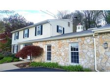 2361 Giant Oaks Dr, Upper Saint Clair, PA 15241