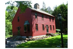 253 Cummings Rd, Swansea, MA 02777