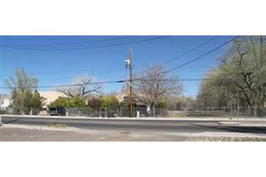 338 Isleta Blvd Sw, Albuquerque, NM 87105