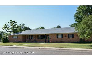 1124 Hillcrest Dr, Canyon, TX 79015