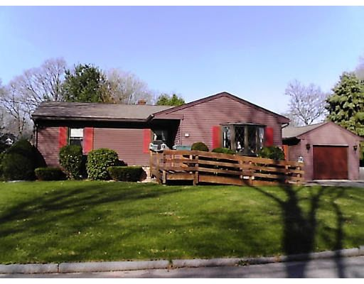 20 Donlyn Dr, Chicopee, MA 01013