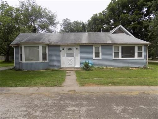 200 W 2nd St Garden City Mo 64747 Home For Sale And