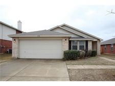 1952 Copper Mountain Dr, Fort Worth, TX 76247