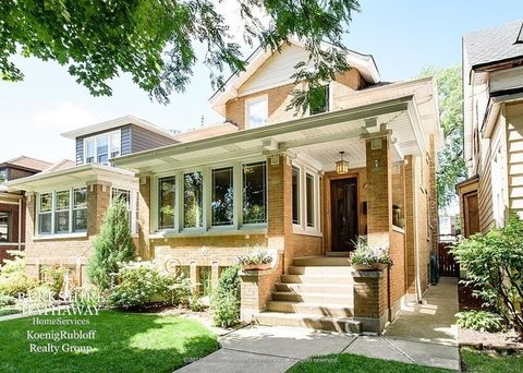 2666 W Eastwood Ave, Chicago, IL 60625
