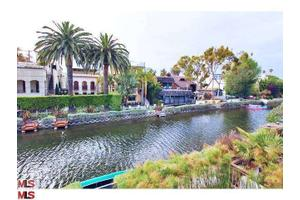 404 Sherman Canal Ct, Venice, CA 90291