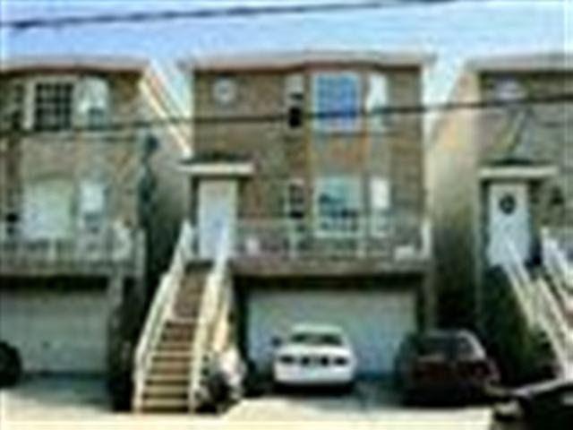 60 Stegman St, Jersey City, NJ 07305