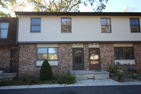 413 Hand Ave Apt 14, Cape May Court House, NJ 08210