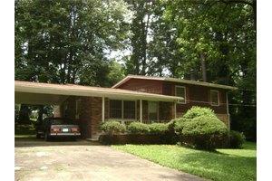 332 Hickory Acres Dr SE, Smyrna, GA 30082