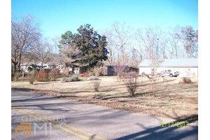 27 Foxtail Dr, Hartwell, GA 30643