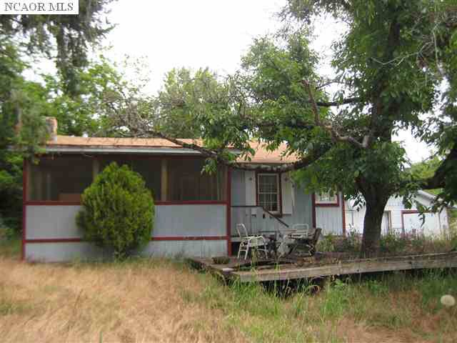 26131 Sweetland Rd, North San Juan, CA 95960