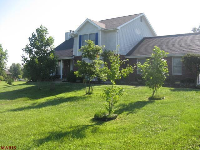 1924 Country Estates Ct Foristell, MO 63348