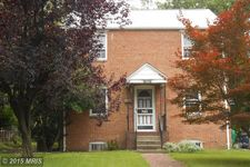 5608 Woodland Dr, Oxon Hill, MD 20745