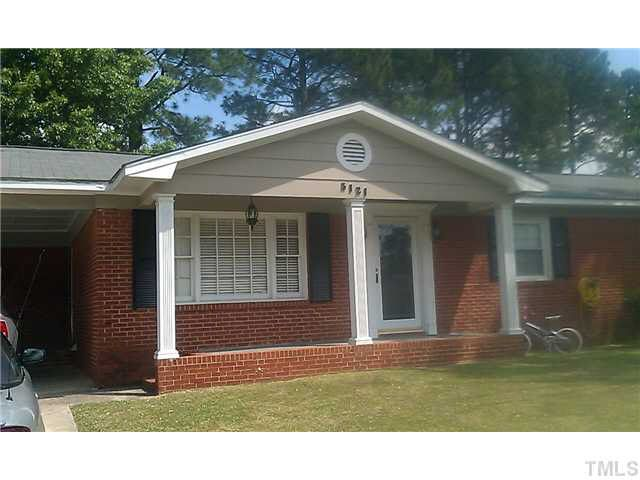 5121 Foxfire Rd, Fayetteville, NC 28303