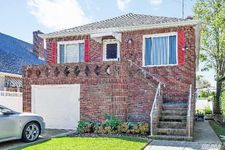 422 E Market St, Long Beach, NY 11561