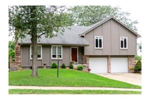 405 NW 36th Street Ter, Blue Springs, MO 64015