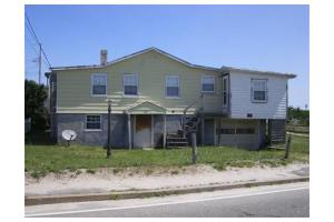 65 Taylor Ave, Plymouth, MA 02360