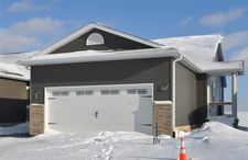 4103 Mourning Dove Dr, Waterloo, IA 50702