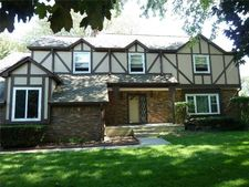 7427 Stonehurst Ct, Indianapolis, IN 46256