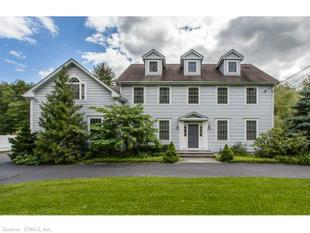 64 Rimmon Rd, Woodbridge, CT 06525