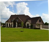 5026 Landon Ln, Baytown, TX 77523