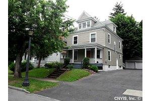 157 Cambridge St, Syracuse, NY 13210