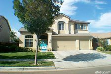 680 Willow Way, Los Banos, CA 93635