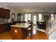 905 Caralea Dr, Norristown, PA 19403