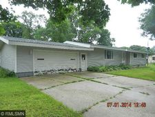209 Freemont Ave Ave Nw, Renville, MN 56284