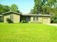 514 Azalea St, Lake Jackson, TX 77566